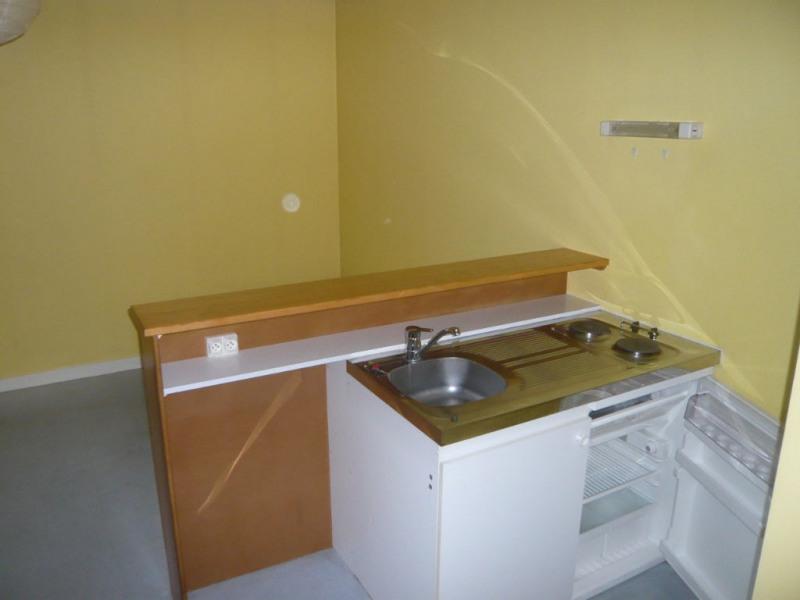 Rental apartment Laval 297€ CC - Picture 3