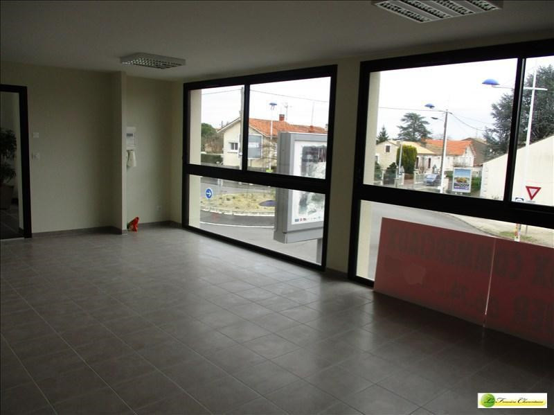 Location local commercial Angouleme 1100€ +CH/ HT - Photo 1
