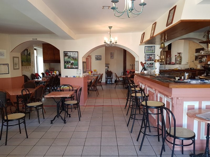 Commercial property sale shop St thomas de conac 198 000€ - Picture 1