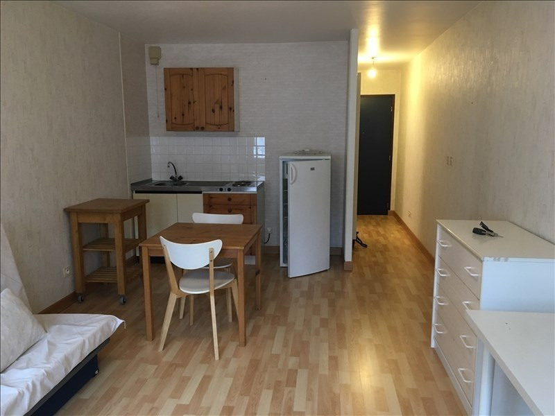 Rental apartment Vendome 350€ CC - Picture 1