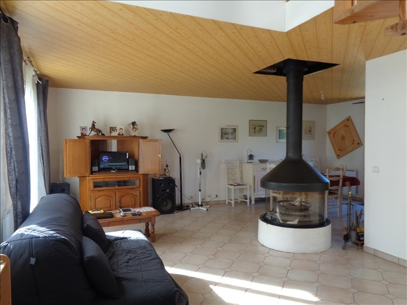 Sale house / villa Le val st germain 382 000€ - Picture 2