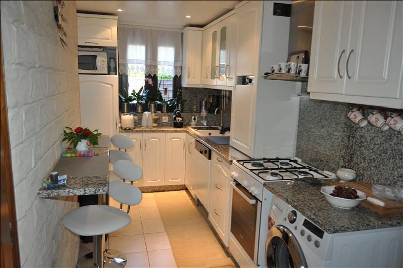 Sale house / villa Villemomble 252000€ - Picture 6