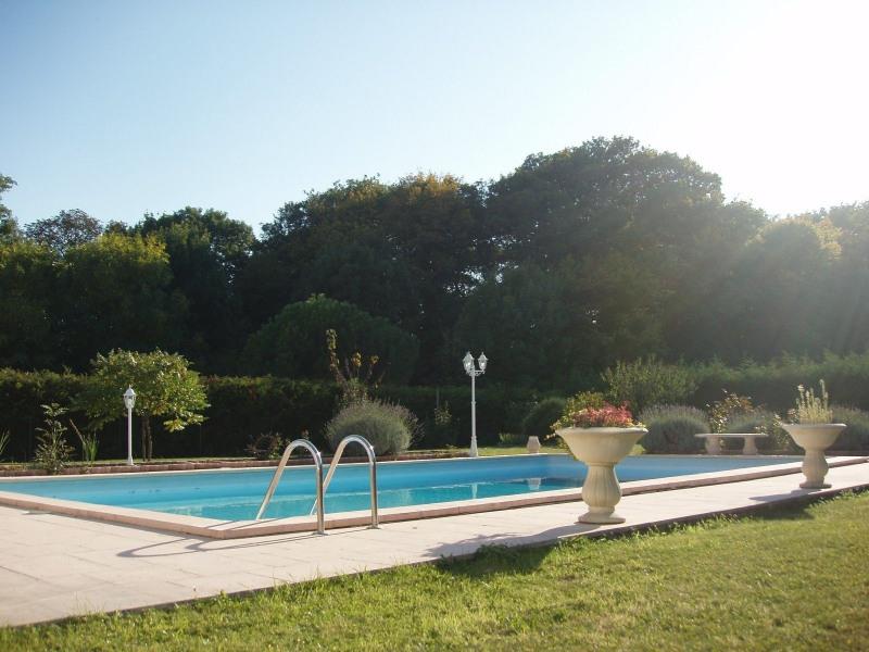 Sale house / villa St cheron 719000€ - Picture 4