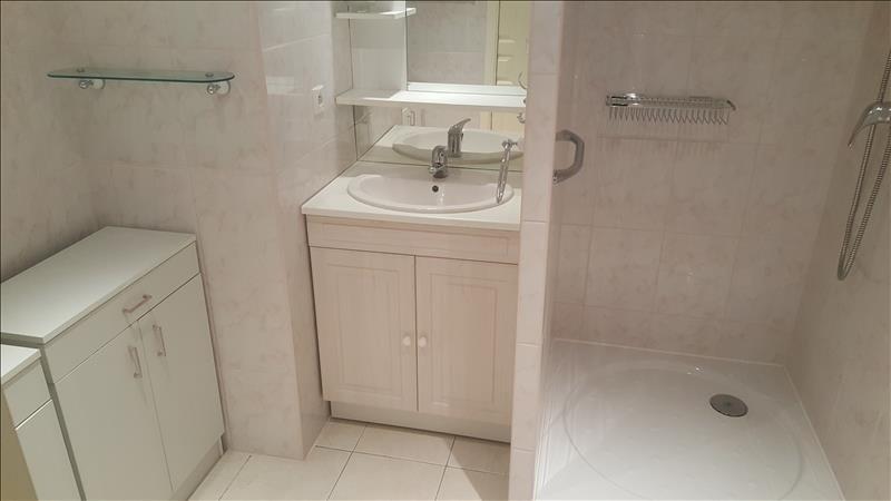 Verkoop  appartement Quimper 149800€ - Foto 9