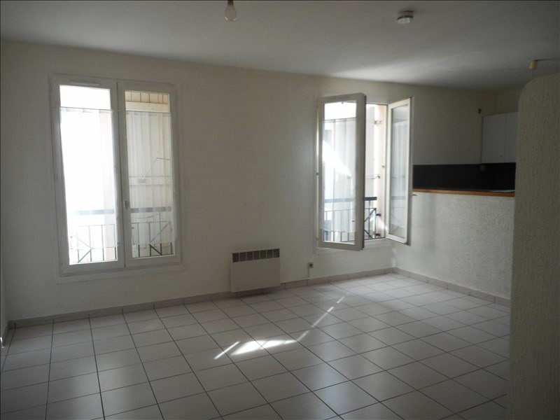 Rental apartment Voiron 348€ CC - Picture 2