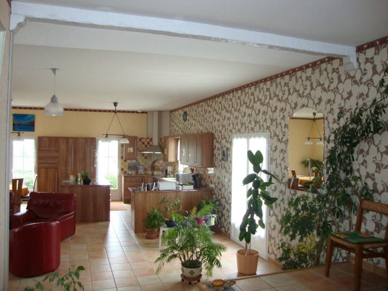 Sale house / villa St sorlin de conac 325000€ - Picture 2