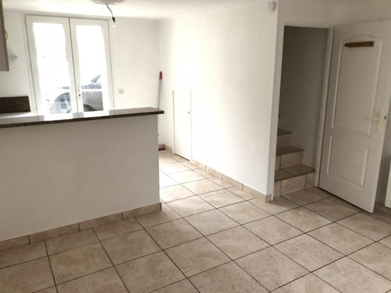 Rental apartment Méry-sur-oise 740€ CC - Picture 1