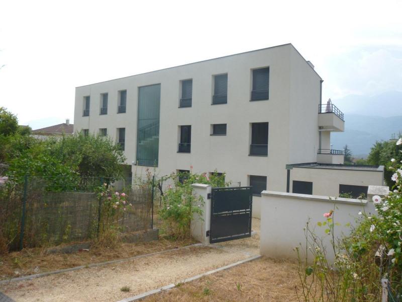 Rental apartment Crolles 772€ CC - Picture 10
