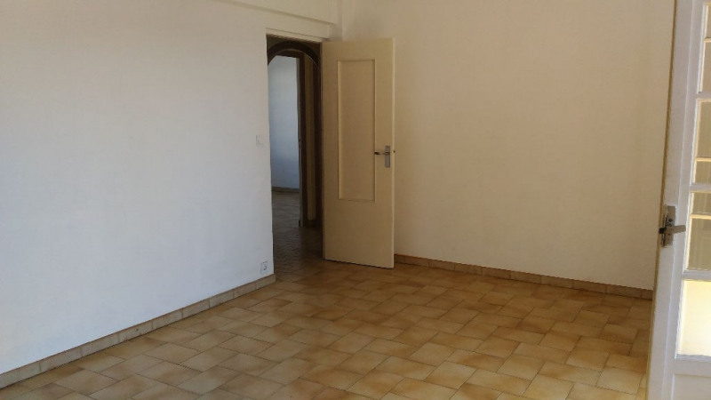Rental apartment Cagnes sur mer 900€ CC - Picture 2
