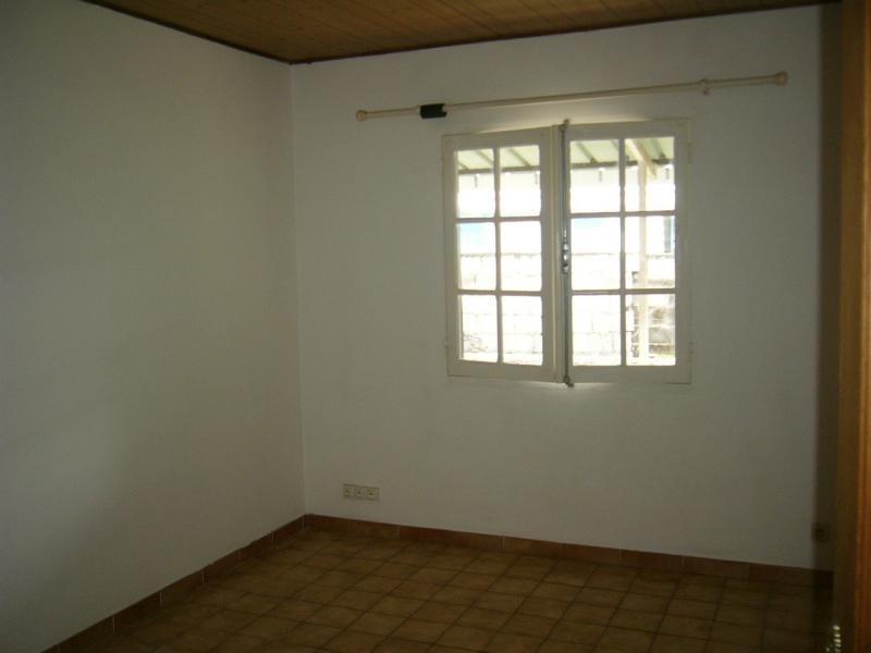 Rental house / villa St gilles les hauts 1055€ CC - Picture 3