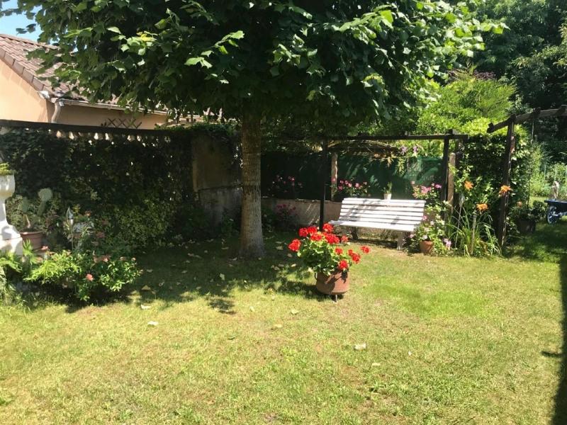 Sale house / villa Taverny 329500€ - Picture 4