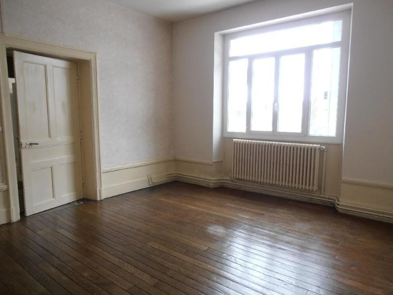 Location appartement Nantua 506€ CC - Photo 1