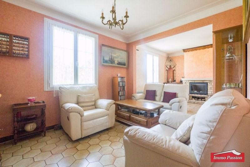 Sale house / villa Le lardin st lazare 183600€ - Picture 8