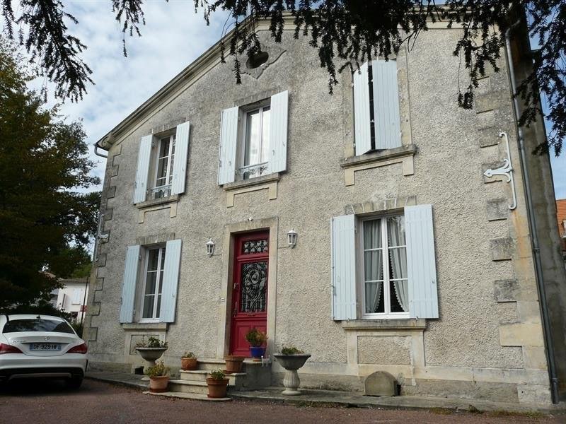 Sale house / villa Montendre 325500€ - Picture 1