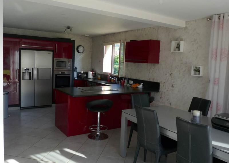 Sale house / villa Saint-pierre-en-faucigny 360000€ - Picture 2