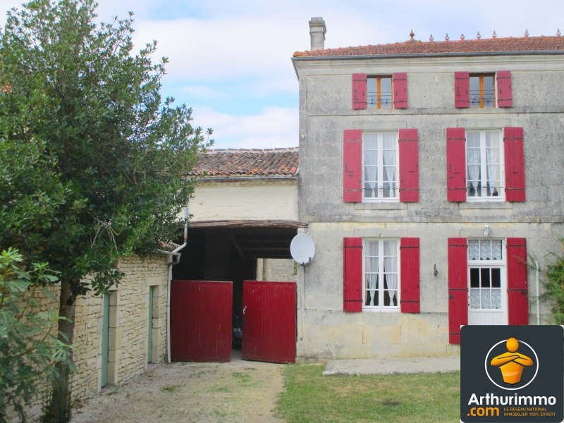Sale house / villa Matha 127800€ - Picture 1