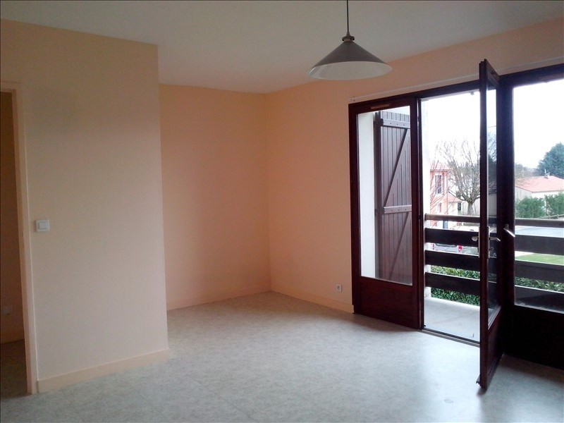 Rental apartment Poitiers 360€ CC - Picture 2