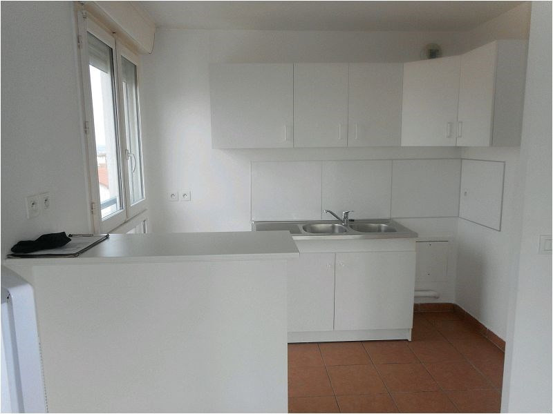 Rental apartment Athis mons 852€ CC - Picture 2