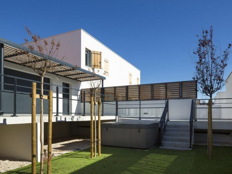 Sale house / villa Le grau du roi 382000€ - Picture 1