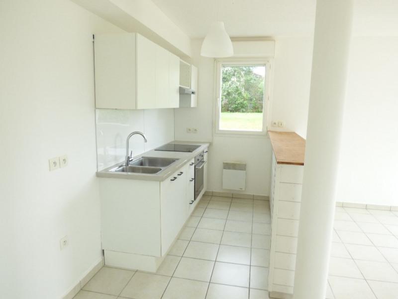 Rental apartment Saint loubes 705€ CC - Picture 3