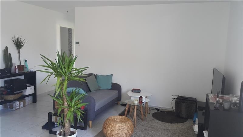 Rental apartment Pont de cheruy 730€ CC - Picture 1