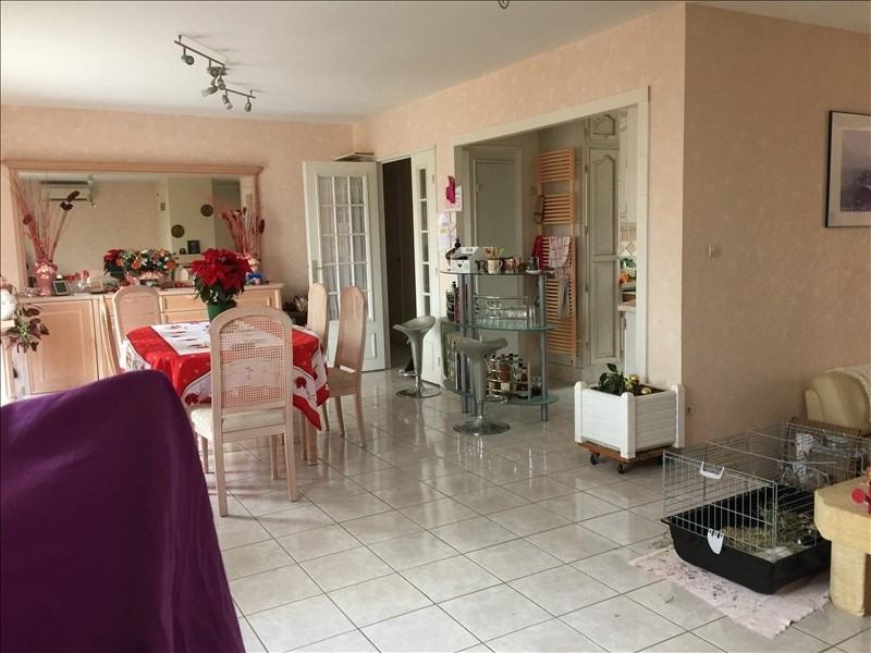 Sale house / villa Montereau 222600€ - Picture 2