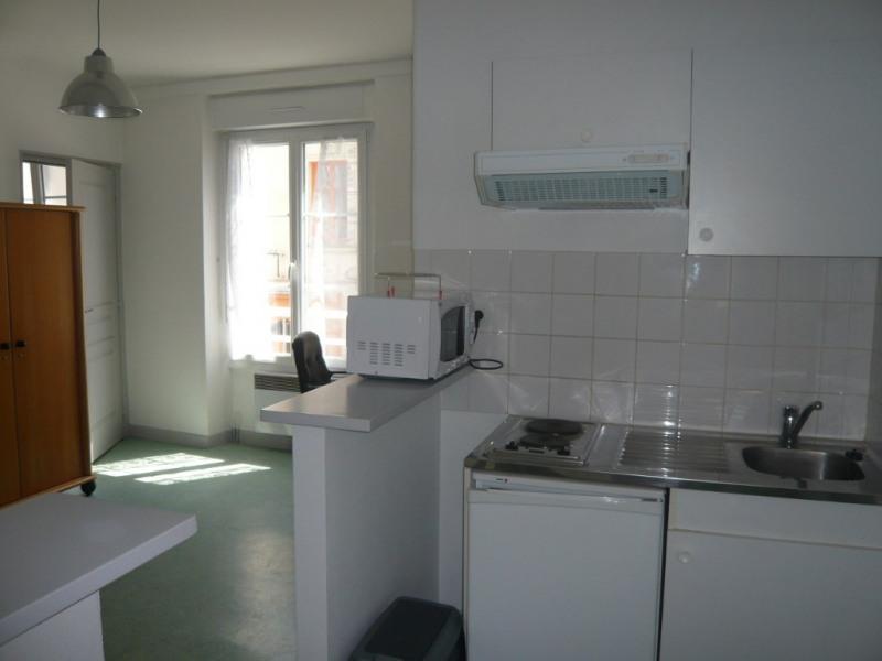 Rental apartment Laval 268€ CC - Picture 2