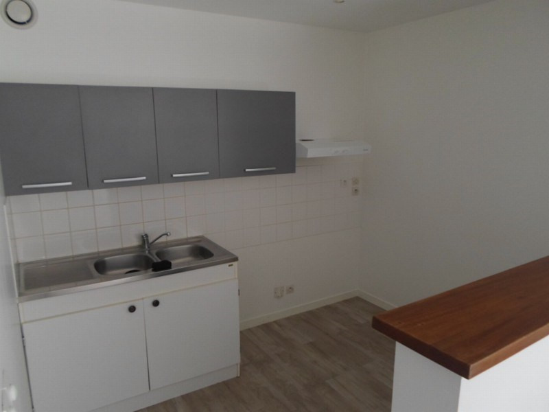 Location appartement Isigny sur mer 486€ CC - Photo 3