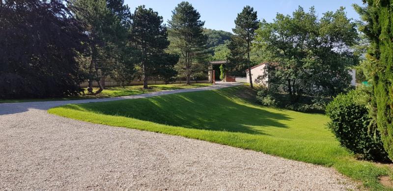 Sale house / villa Reventin vaugris 520000€ - Picture 2