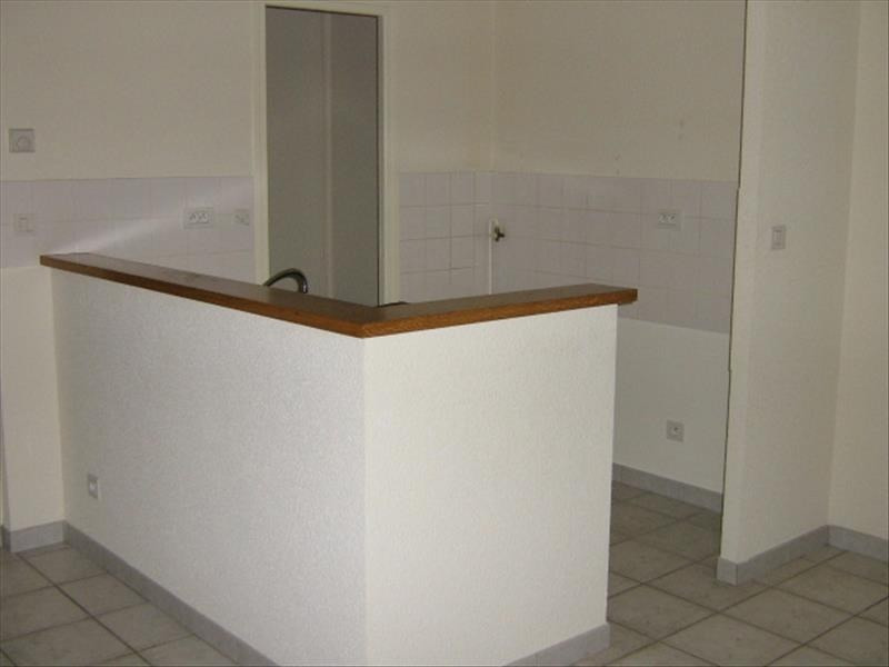 Location appartement Roanne 528€ CC - Photo 2