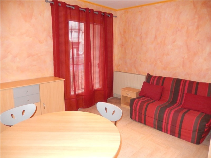 Location appartement Le puy en velay 351,79€ CC - Photo 2