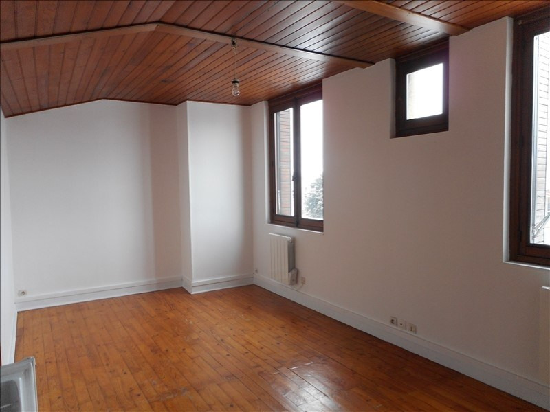 Rental apartment Voiron 294€ CC - Picture 1