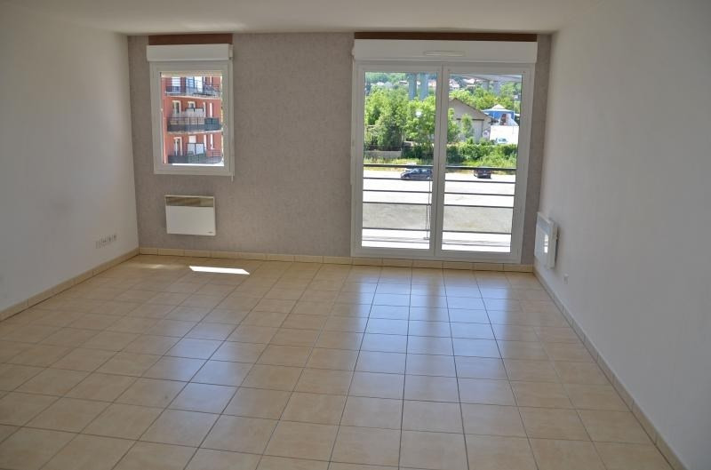 Rental apartment Bellegarde sur valserine 562€ CC - Picture 2