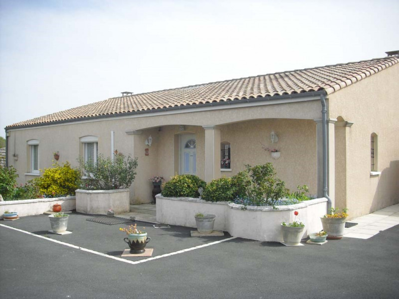 Sale house / villa Semussac 294 000€ - Picture 1
