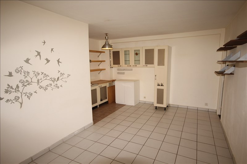 Sale apartment Osny 137000€ - Picture 2