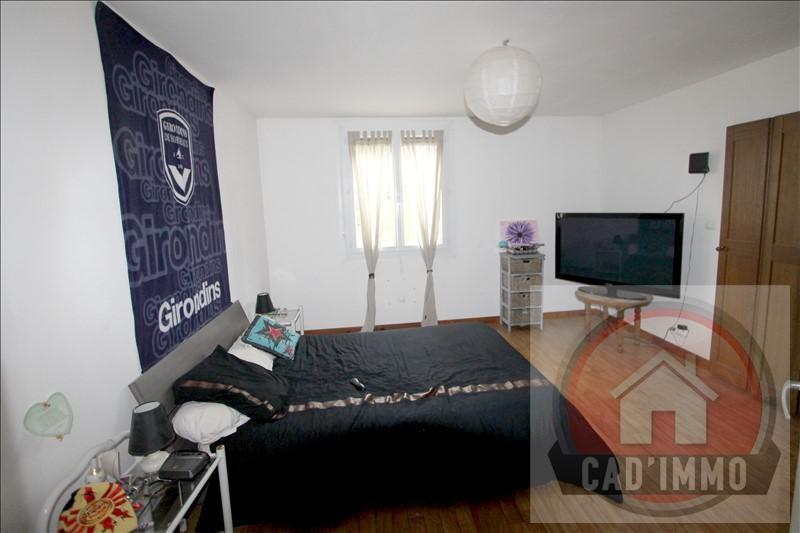 Sale house / villa St pierre d eyraud 214000€ - Picture 7