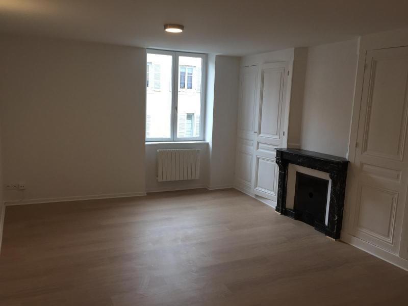 Location appartement Villefranche sur saone 420€ CC - Photo 3