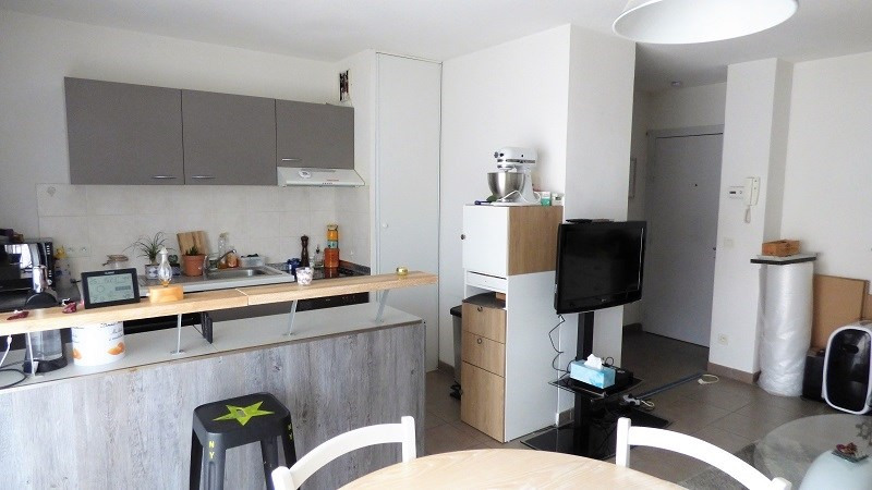 Rental apartment St genis pouilly 923€ CC - Picture 7