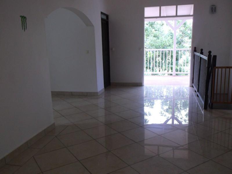 Rental house / villa Petit bourg 990€ CC - Picture 3