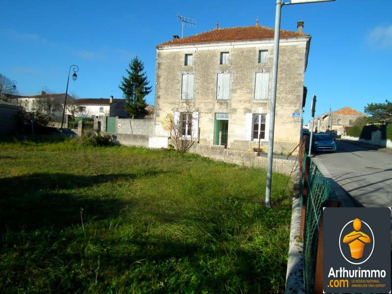 Sale house / villa Matha 40330€ - Picture 1