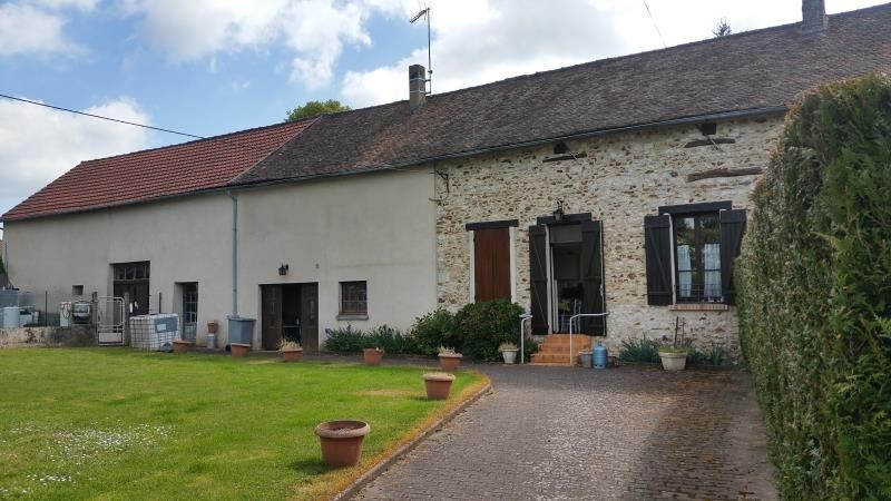 Sale house / villa Breval 208000€ - Picture 1