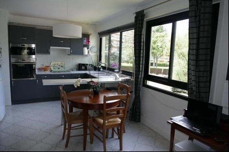Sale apartment Verrieres le buisson 230000€ - Picture 2