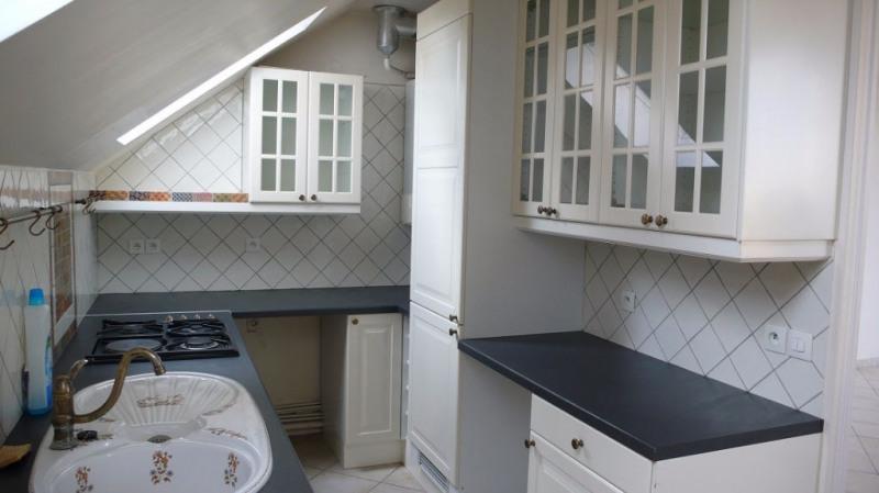 Location appartement Saint germain en laye 998€ CC - Photo 3