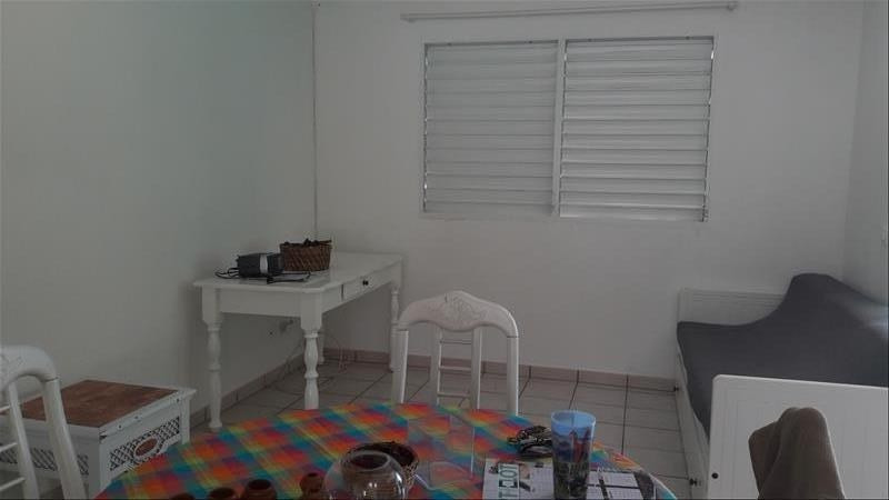 Location maison / villa Saint-francois 675€ CC - Photo 3