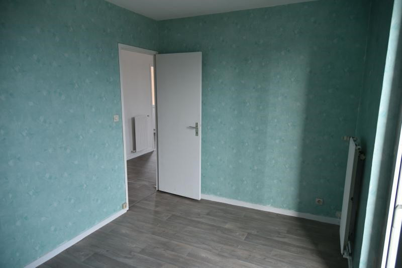 Rental apartment Oyonnax 380€ CC - Picture 6