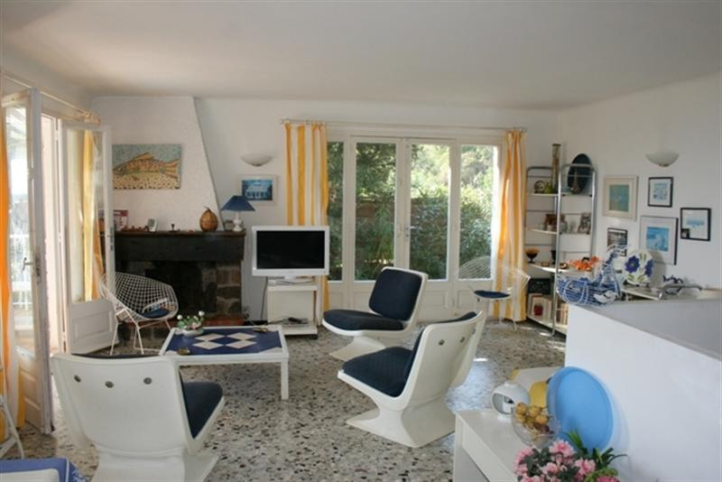 Vacation rental house / villa Les issambres 2 750€ - Picture 3