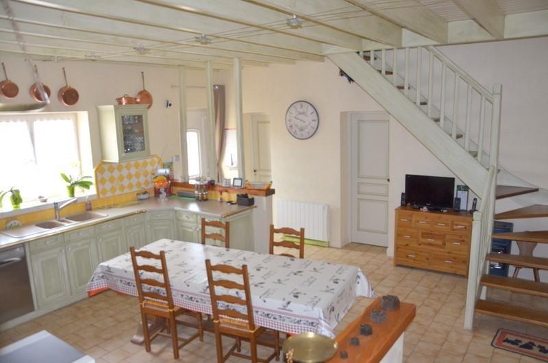 Vente maison / villa St andre de cubzac 378000€ - Photo 4