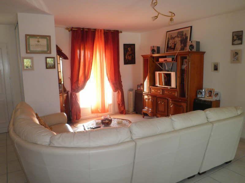 Location maison / villa Villejoubert 668€ CC - Photo 8
