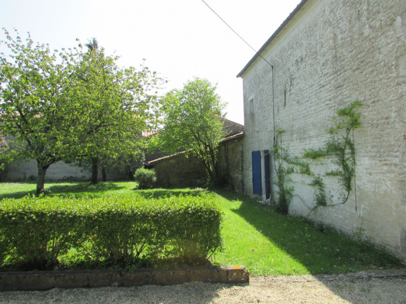 Vente maison / villa Ranville breuillaud 102000€ - Photo 2