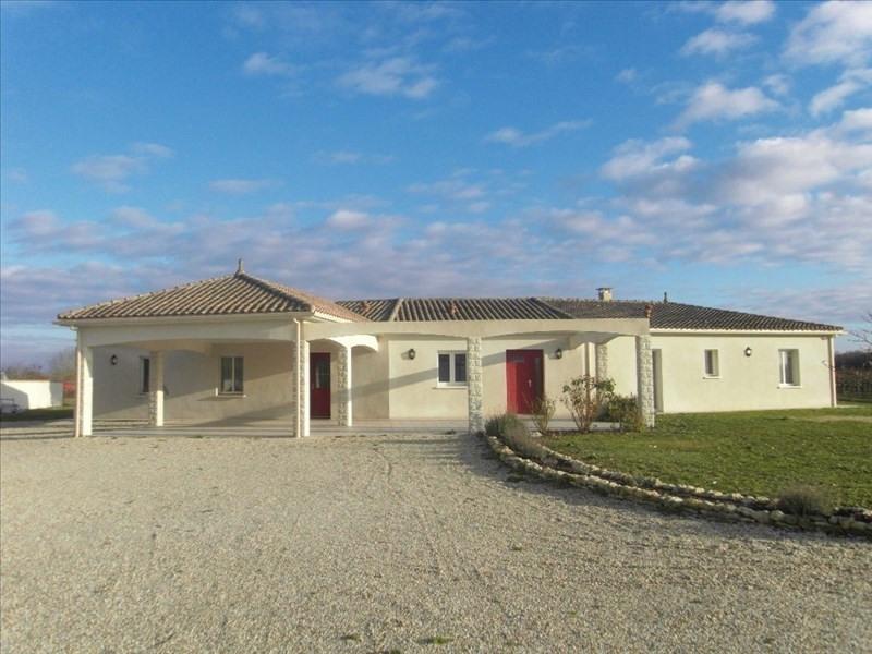 Sale house / villa 10 min ouest cognac 299600€ - Picture 1